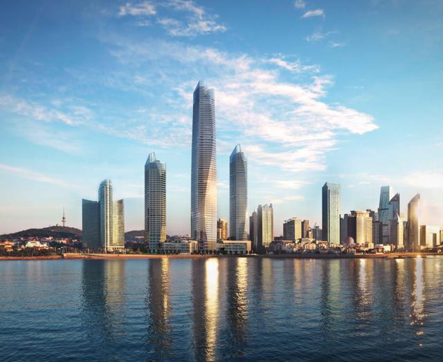 山东第一高楼——青岛海天中心7月1日前启用