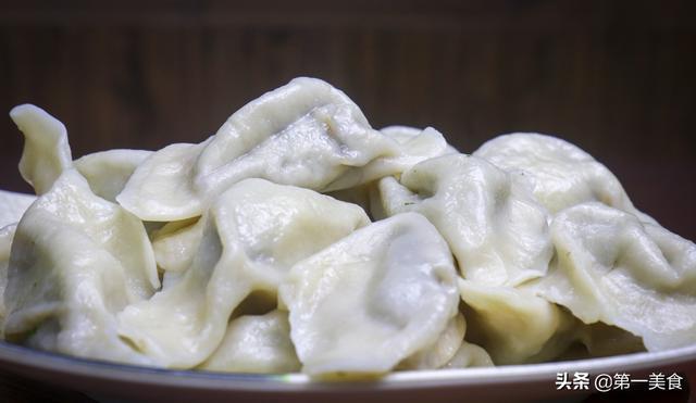 茴香饺子馅的做法,周末包个饺子,茴香饺子从擀皮打馅到成团,配方有点不一样