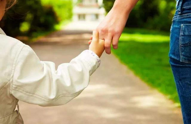 小婴儿逃出系列2,如何防止儿童走丢?学会两个自救的小游戏,帮助孩子提高安全意识