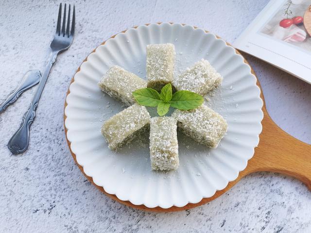 薄荷叶的吃法,无需烤箱!薄荷叶子用来做糯米糕,软糯香甜,清凉解暑,拿肉不换