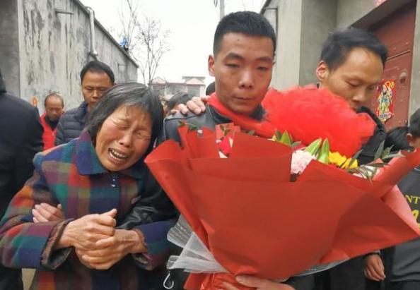 河南男子23年前弄丢弟弟,至今未婚!一个视频有了弟弟消息…