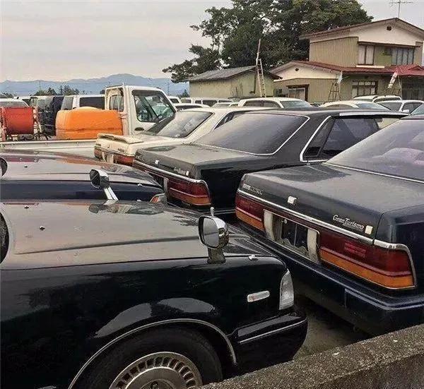 1980年以年丰田汽车大面包、尼桑公爵王
