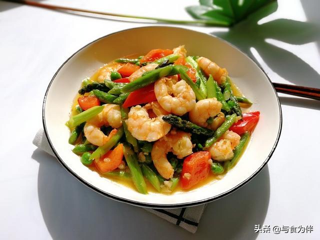 """虾仁的做法大全家常菜,它称""""蔬菜之王"""",3月份极鲜,配虾仁一炒,吃出春天清新的味道"""