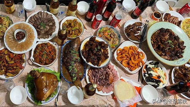 东北的吃法,给南方人看看,东北普通人家年夜饭18个菜,东北过年该有的样子