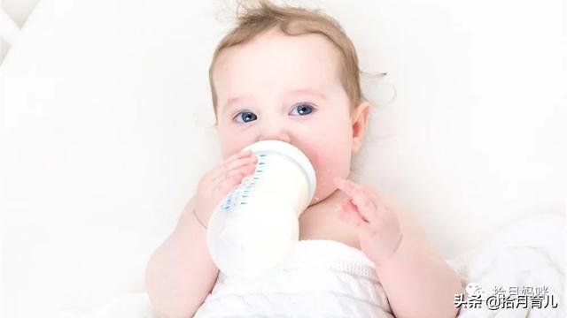 婴儿奶粉过敏,宝宝喝奶粉是否过敏?这4个症状不可忽视