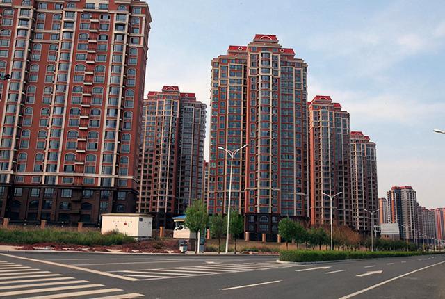 房地产投资,燕郊房价每平跌1万,买房寥寥无几,马光远提醒房产不再适合投资