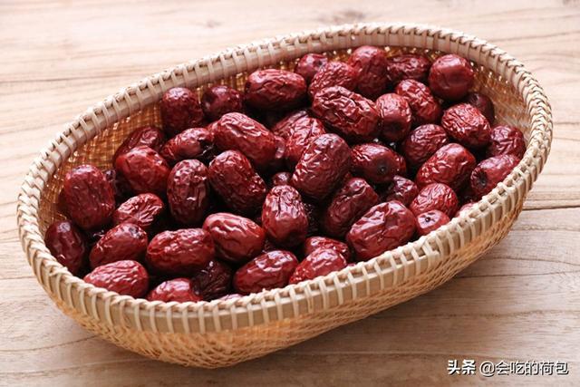 枣的吃法,春天,别忘了吃点红枣,8种做法换着做,从小到大吃不腻