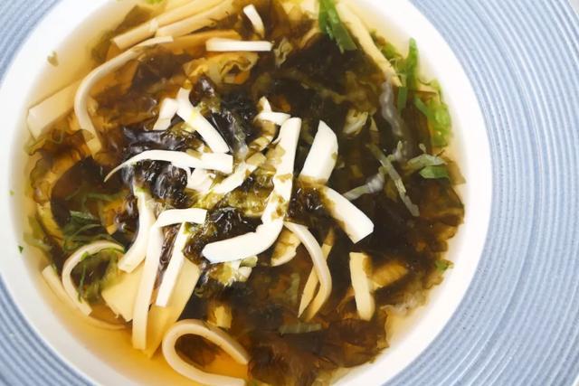 紫菜的吃法,紫菜别总做汤,换个做法照样鲜呆了