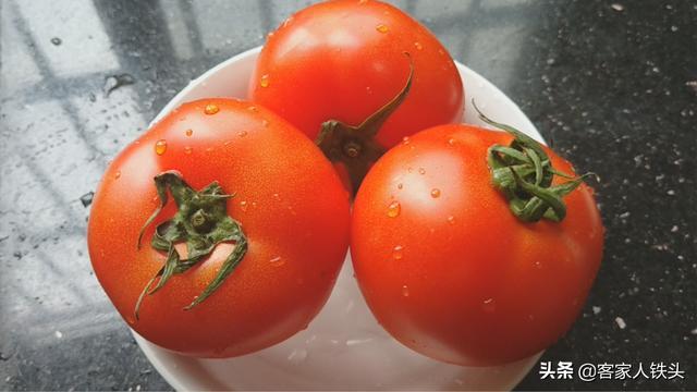 番茄的吃法,自从学会番茄这一个吃法,我家孩子一周点名吃6次,开胃解馋好吃