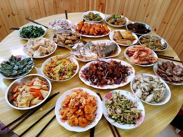 十大硬菜图片,这10道硬菜,撑起半个中国年夜饭的餐桌,就地过年也要犒劳自己