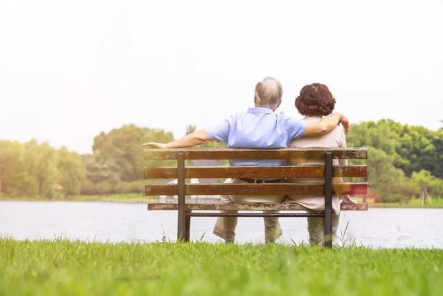 感恩父母的句子,孝顺父母,做到这三点才会越孝越顺