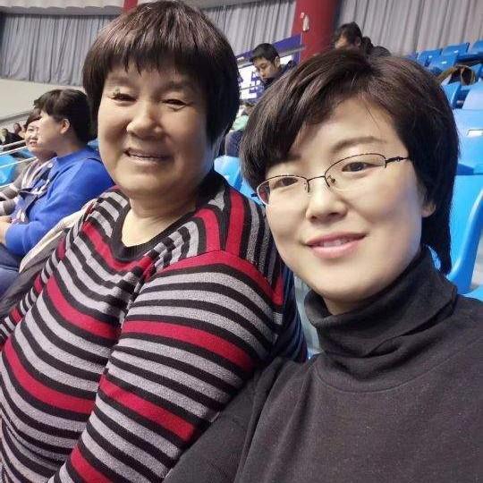 妈妈生日快乐祝福语,腊月二十九,我妈生日快乐。有娘便有家,记录美好时光。