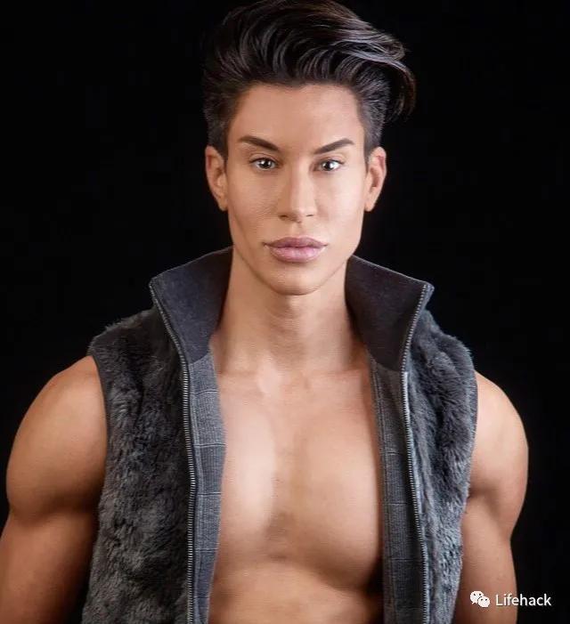 男人图片,39岁大叔花百万整形成肌肉男:男人为了性感身材,原来也这么拼