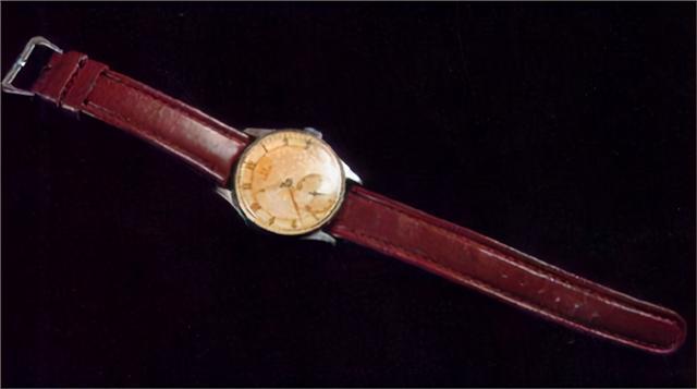 郭沫若简介,1945年,郭沫若送毛主席一块手表,毛泽东戴了整整31年