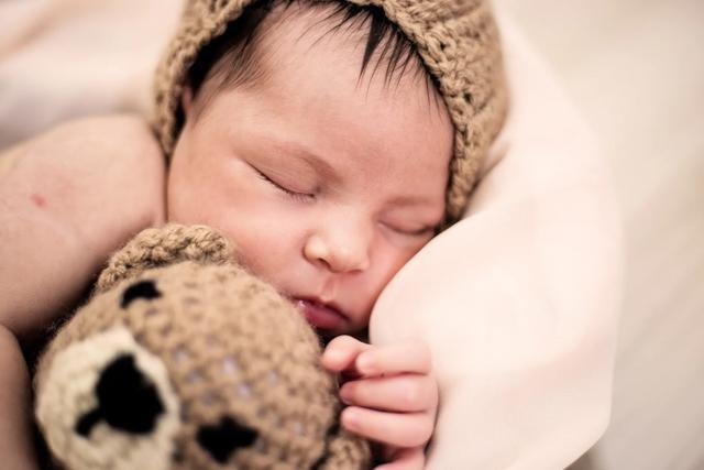 婴儿服,宝宝衣服这样买,安全不踩雷