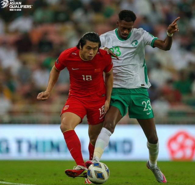 国足世预赛首次不敌沙特!克星之名被彻底击碎 出线形势已难乐观 全球新闻风头榜 第2张