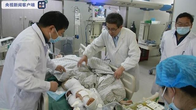 江苏盐城4车相撞事故19名伤员正住院治疗 其中4名伤员在ICU抢救