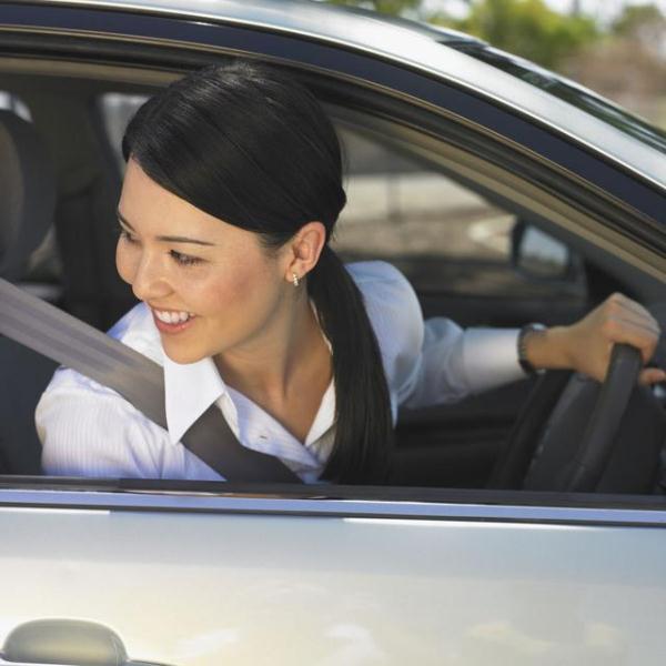 倒车技巧,开车容易倒车难,试试这5个倒车小技巧,车况路面一目了然