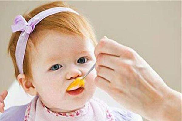 婴儿黄,宝宝脸色发黄该怎么办 宝宝脸色发黄怎么护理