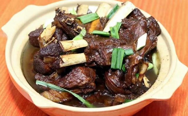 余杭美食,做半年,歇半年,只卖红烧羊肉一道菜,一做就是六代人