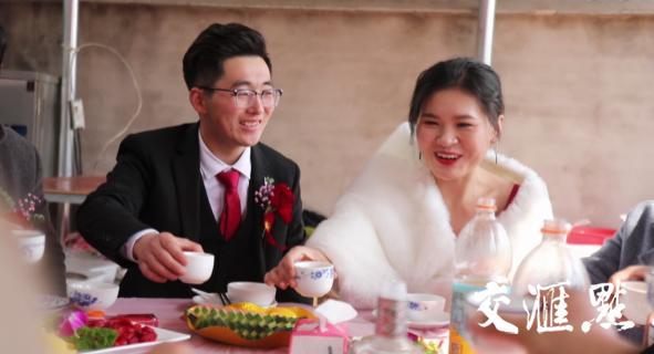 """祝福新人结婚的话,新人结婚只办家宴,沭阳村支书""""大喇叭""""喊话送祝福"""