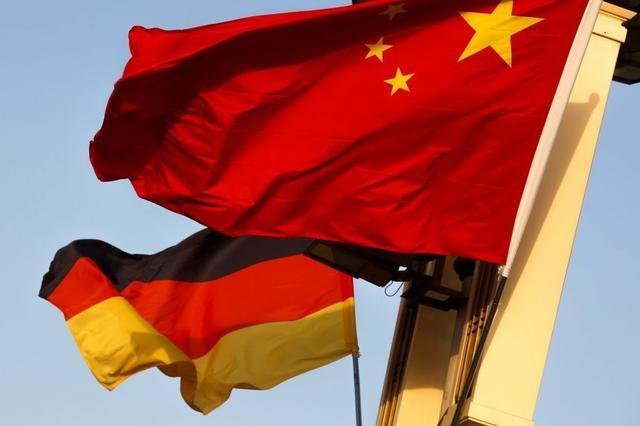 """外媒:德军舰8月将穿航南海,为2002年来首次,但不会在""""12海里""""范围内通过 全球新闻风头榜 第1张"""