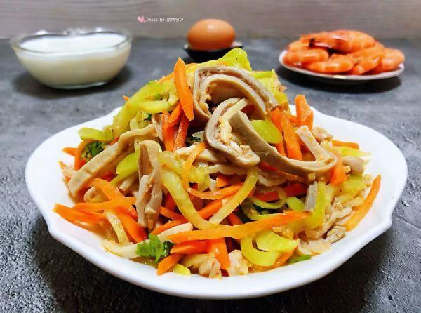 凉拌莴笋丝的做法,#元宵节美食大赏#麻辣猪肚凉拌莴笋丝
