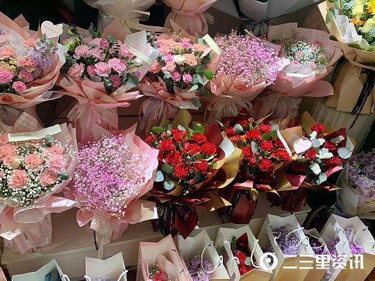 19朵玫瑰代表什么意思,鲜花价格上涨!三八节宝鸡鲜花走俏 玫瑰卖到十元一支