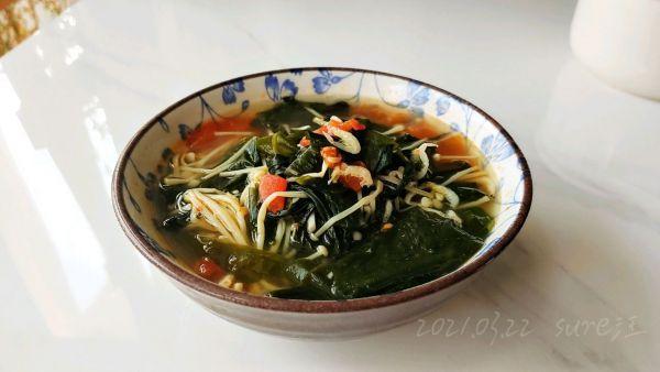 豆果美食,好吃的爆炸的菇茄蒜柿海菜汤,没有它我就不吃饭