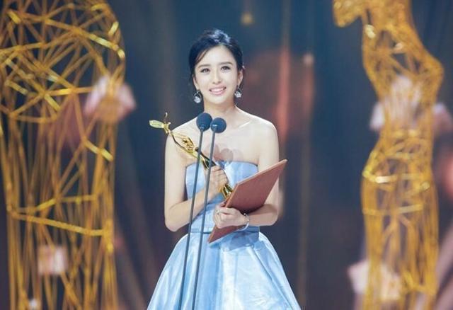 新疆演员佟丽娅、古力娜扎为家乡发声:我爱我的家乡 全球新闻风头榜 第3张