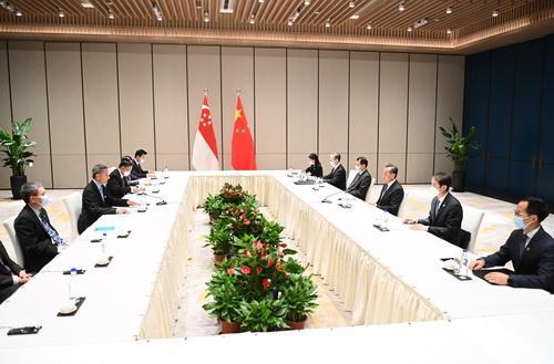 王毅同新加坡外长维文举行会谈 全球新闻风头榜 第3张