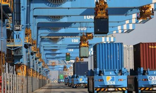 德媒:中国拿下全球出口冠军王座 出口额同比猛增3成全世界急需买中国货