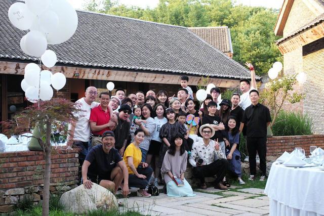 张歆艺庆结婚五周年晒照 与袁弘接吻超甜蜜 全球新闻风头榜 第4张
