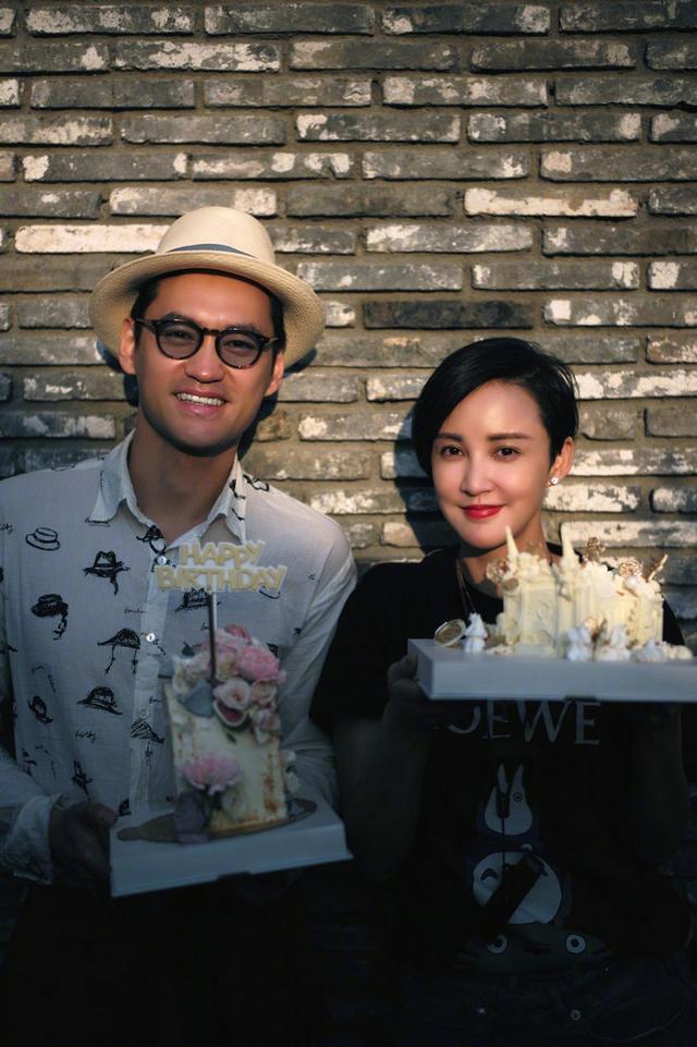 张歆艺庆结婚五周年晒照 与袁弘接吻超甜蜜 全球新闻风头榜 第6张