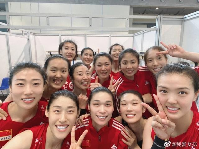 博主:朱婷领衔的6人小分队进入赛区 刁琳宇等4将提前回国 全球新闻风头榜 第1张