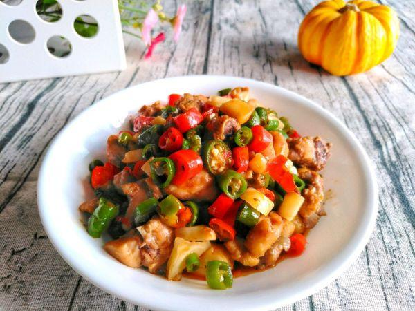 彩椒的做法,#夏日开胃餐#辣子鸡最好吃的5种做法,一遍就会