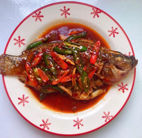 罗非鱼的做法,饭店的红烧罗非鱼为什么那么好吃,主要是多了这一步