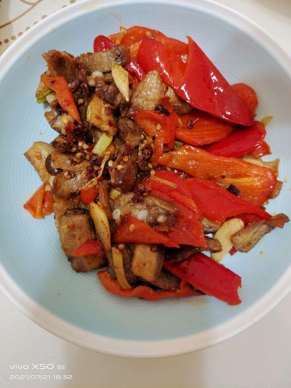 回锅肉的家常做法,只要掌握好比例,回锅肉就能一次成功
