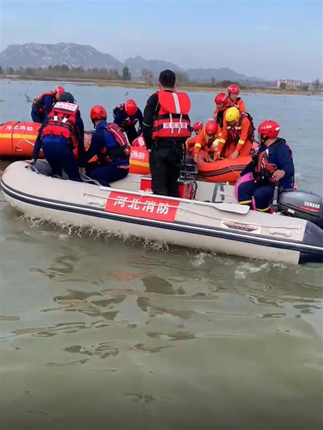 河北大巴坠河最后一名失联者被找到,事故致14人遇难 全球新闻风头榜 第2张