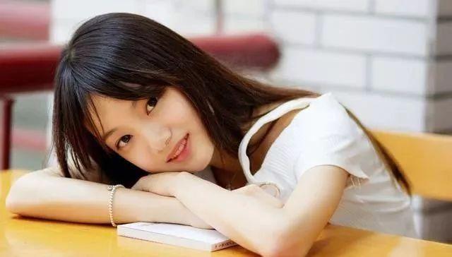 情话最暖心短句给女生,最能打动女人心的20句情话,女人听了心都化了,学会一句就够了