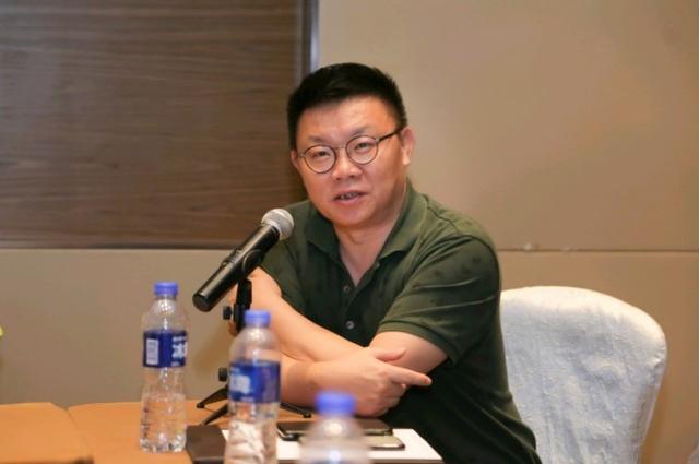 京东刘强东捐了3个亿,曹磊也捐了1千亿元rmb