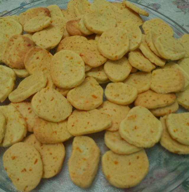 桔子的吃法,天冷,桔子别再生吃了,做成饼干,孩子一口一个,香甜酥脆超美味