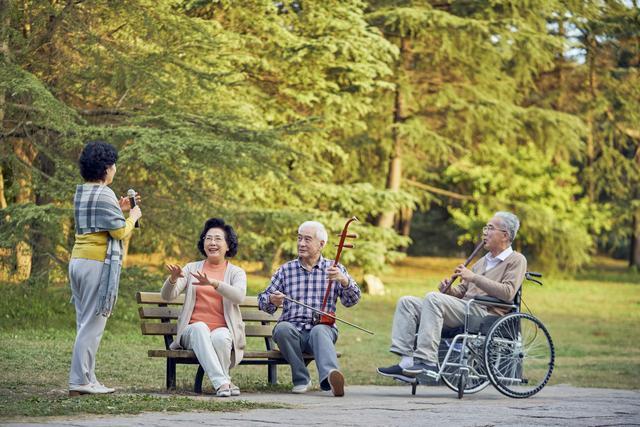 保险品种,你知道么,不同的年龄段买的保险是不一样的