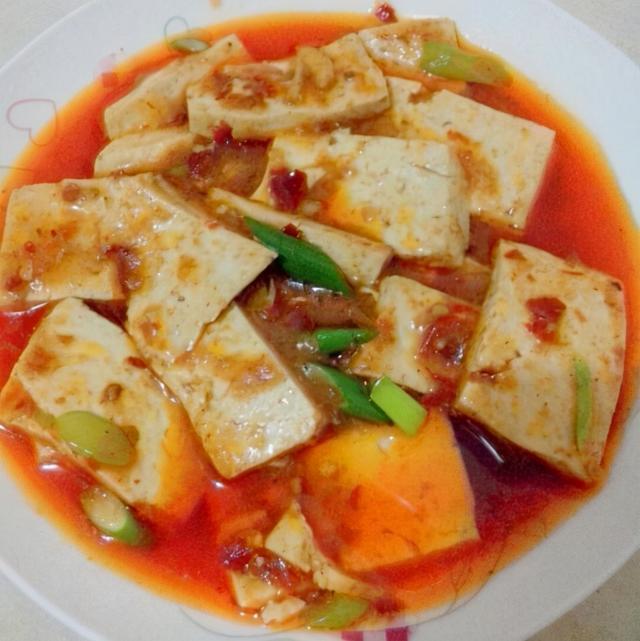 红烧豆腐的家常做法,红烧豆腐不会做?多加这一步,嫩滑入味,豆腐不易碎