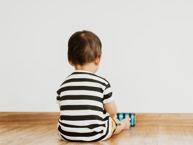 自闭症孩子的特征,孩子的这4种特质,可能是自闭症?