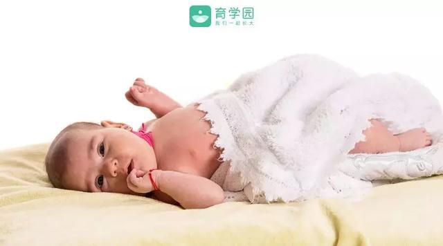 婴儿斜颈,孩子歪头不要怕,用这个方法,帮孩子矫正过来