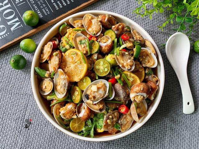 海鲜的吃法,海鲜新吃法,简单拌一大盘,营养极高,比吃肉过瘾