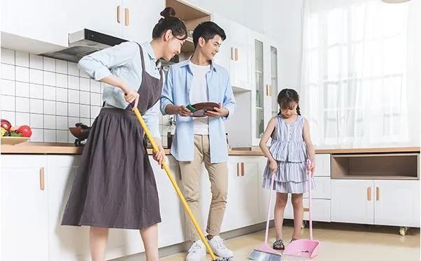 家务活有哪些,妈妈前头收拾,孩子后头捣乱!这份家务清单,让娃爱上做家务