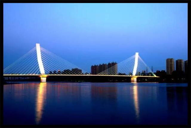描写桥的句子,夜桥美景,如诗如画