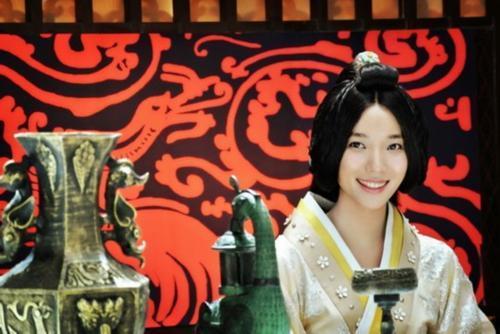 卫子夫历史简介,平民皇后卫子夫,独得汉武帝宠爱15年,成史上在位第二长的皇后
